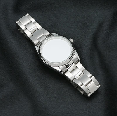 Striiiipes---Feature-product-picture-wristwatch