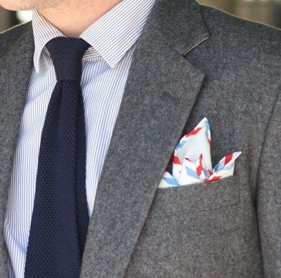 Striiiipes - Feature product picture - Par Avion Pocket Square