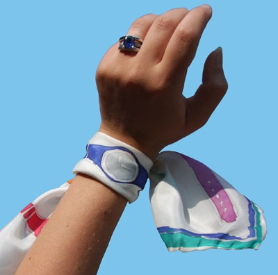 Striiiipes - Feature product picture - Watch Scarf