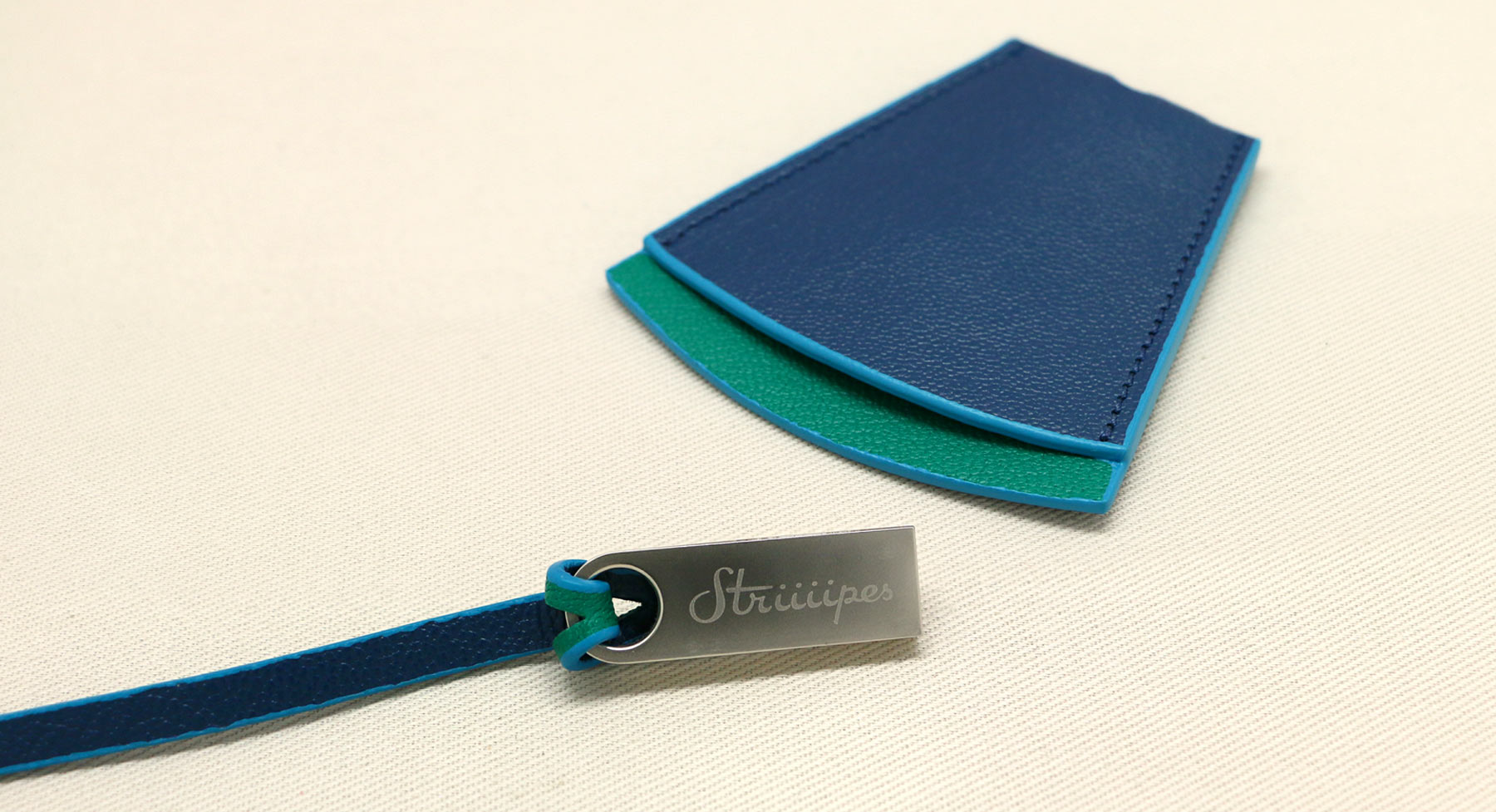 Clochette USB Holder Collection - Striiiipes