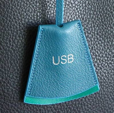 Striiiipes---Feature-product-picture-Clochette-USB-Holder-Emerald